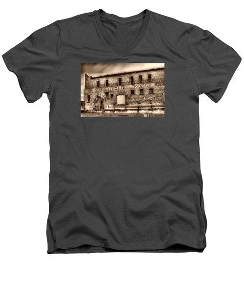 Adluh Flour Sc Men's V-Neck T-Shirt