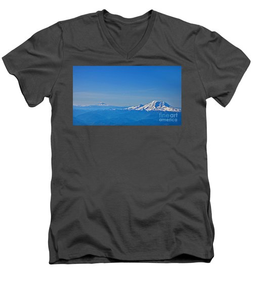 Aerial View Of Mount Rainier Volcano Art Prints Men's V-Neck T-Shirt