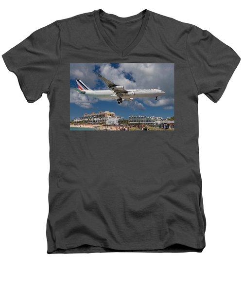 Air France Landing At St. Maarten Men's V-Neck T-Shirt