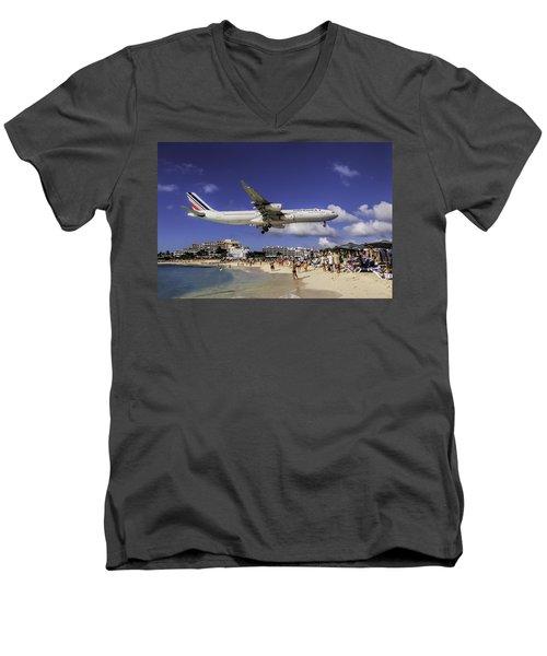 Air France St. Maarten Landing Men's V-Neck T-Shirt