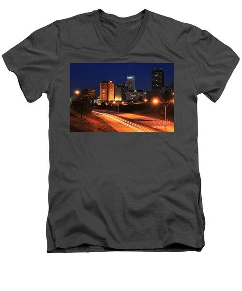 D1u-140 Akron Ohio Night Skyline Photo Men's V-Neck T-Shirt
