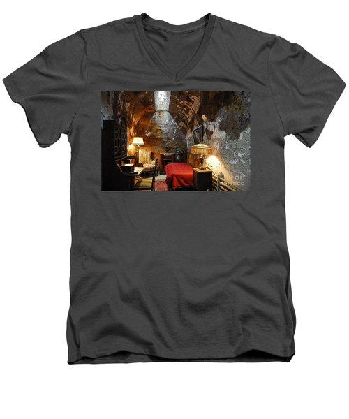 Al Capone's Cell Men's V-Neck T-Shirt