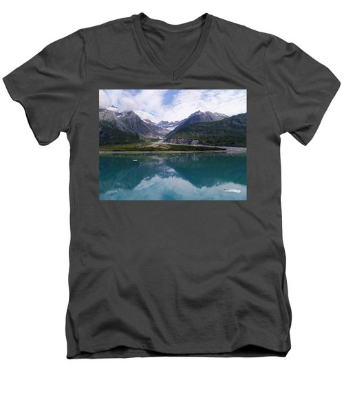 Alaskan Dream Men's V-Neck T-Shirt