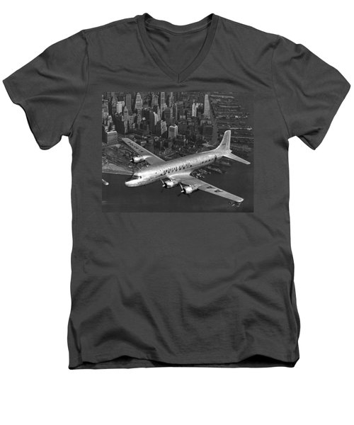 American Dc-6 Flying Over Nyc Men's V-Neck T-Shirt