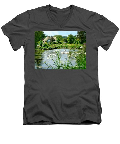 An English Cottage Men's V-Neck T-Shirt