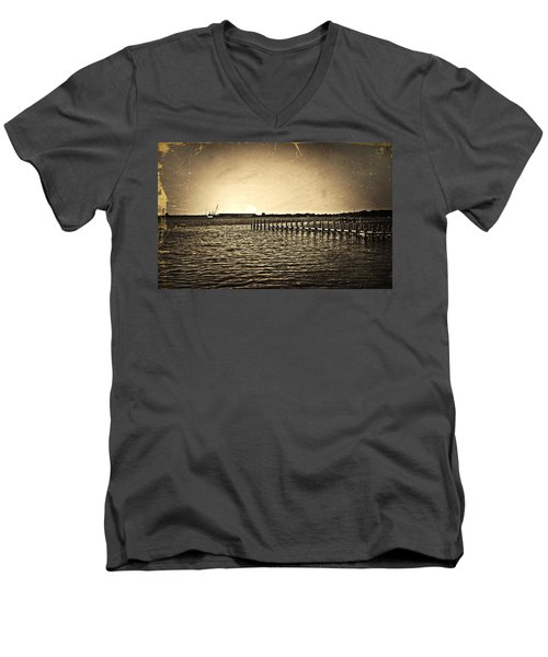 Antique Photo Of Pier  Men's V-Neck T-Shirt