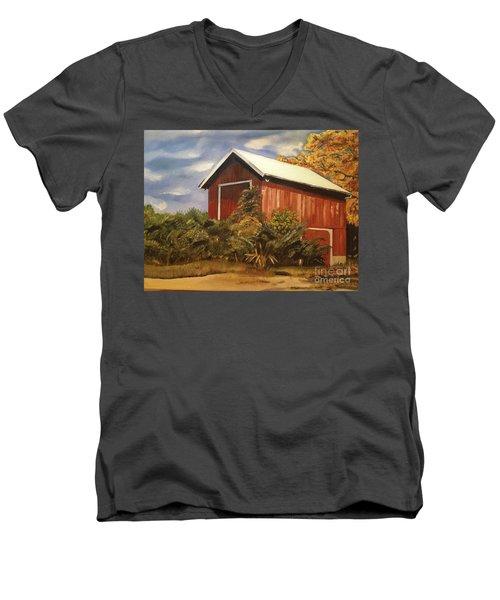 Autumn - Barn - Ohio Men's V-Neck T-Shirt