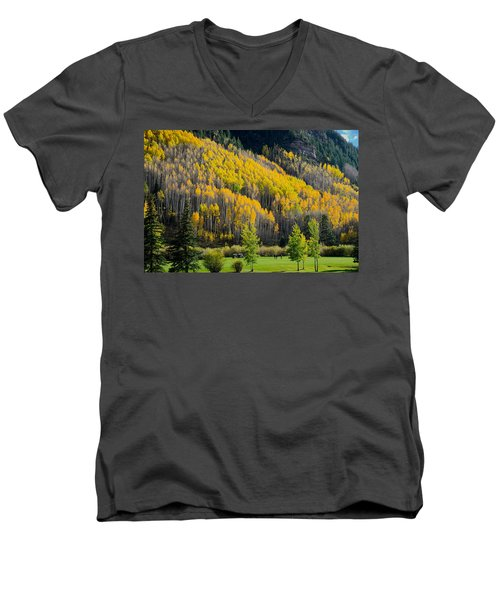 Autumn On The Links Men's V-Neck T-Shirt