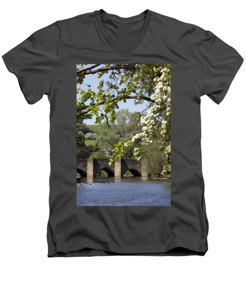 Bakewell Beauty Spot Men's V-Neck T-Shirt