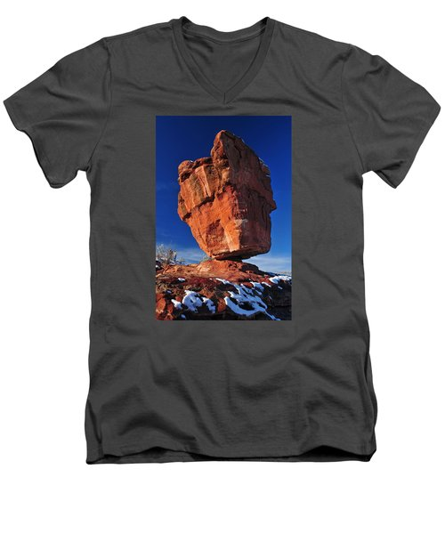 Balanced Rock At Garden Of The Gods With Snow Men's V-Neck T-Shirt by John Hoffman