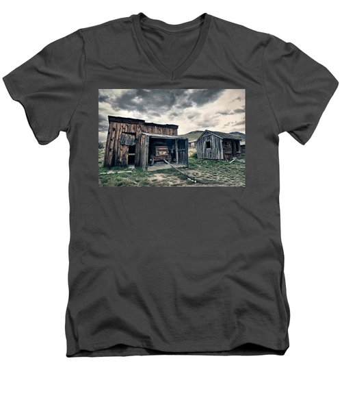Bannack Carriage House Men's V-Neck T-Shirt