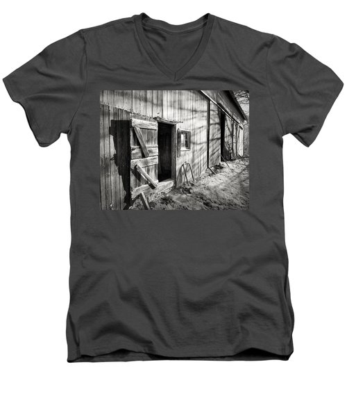 Barn Doors Men's V-Neck T-Shirt
