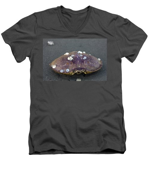 Barnacled Crab Shell Men's V-Neck T-Shirt