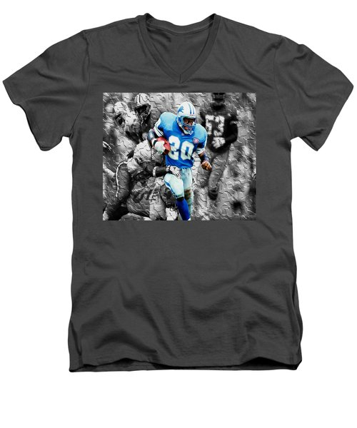 Barry Sanders Breaking Out Men's V-Neck T-Shirt