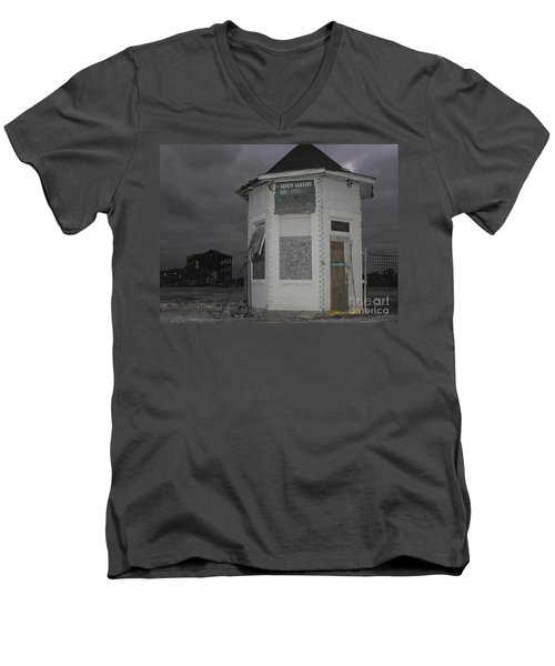Bay City American Hoist Guard House Men's V-Neck T-Shirt