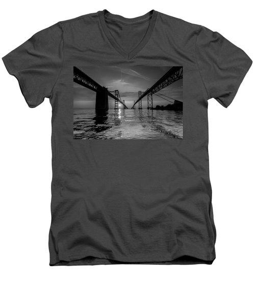 Bay Bridge Strength Men's V-Neck T-Shirt