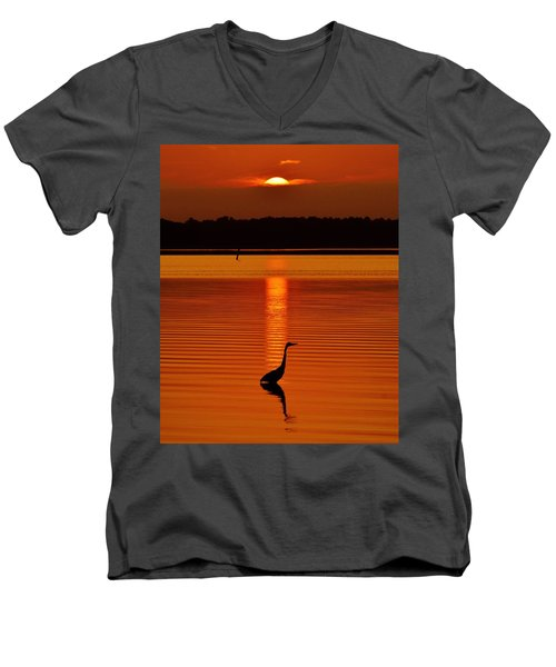 Bayside Ripples - A Heron Takes An Evening Stroll As The Sun Sets Behind The Clouds On The Bay Men's V-Neck T-Shirt