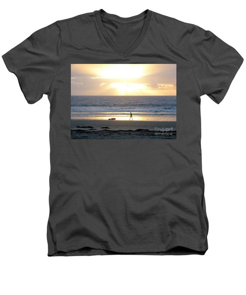Beachcomber Encounter Men's V-Neck T-Shirt