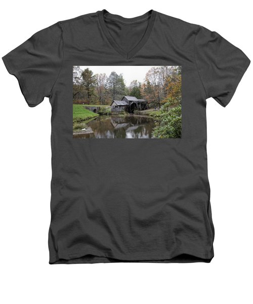Beautiful Historical Mabry Mill Men's V-Neck T-Shirt