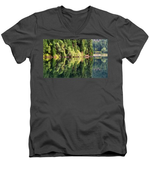 Beautiful Water Men's V-Neck T-Shirt