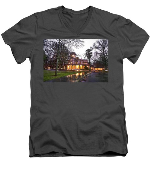 Bidwell Mansion In The Rain  Men's V-Neck T-Shirt