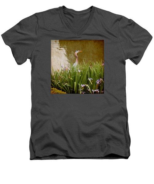 Bird In The Water Men's V-Neck T-Shirt