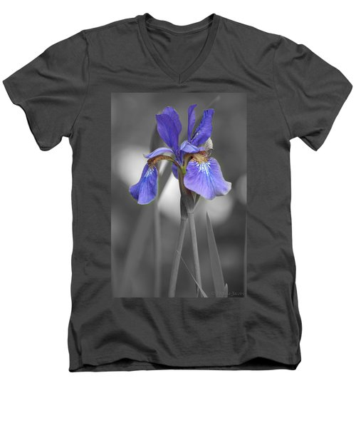 Black And White Purple Iris Men's V-Neck T-Shirt