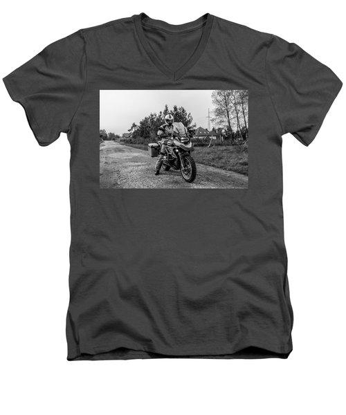Bmw R 1200 Gs Men's V-Neck T-Shirt