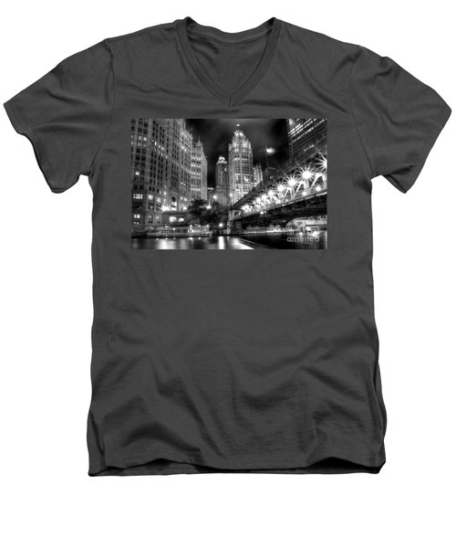 Boat Along The Chicago River Men's V-Neck T-Shirt