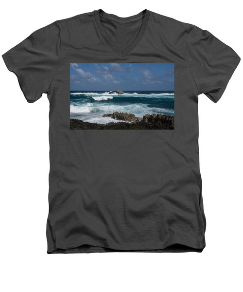 Boiling The Ocean At Laie Point - North Shore - Oahu - Hawaii Men's V-Neck T-Shirt