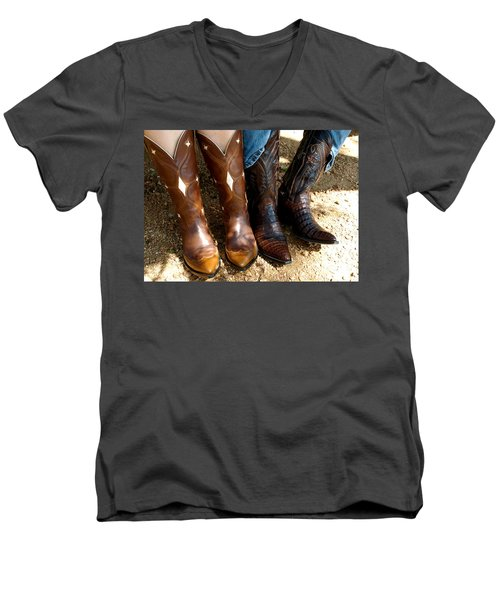 Boots Men's V-Neck T-Shirt