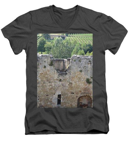 Bordeaux Castle Ruins With Vineyard Men's V-Neck T-Shirt
