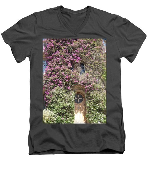 Bormes Door Men's V-Neck T-Shirt