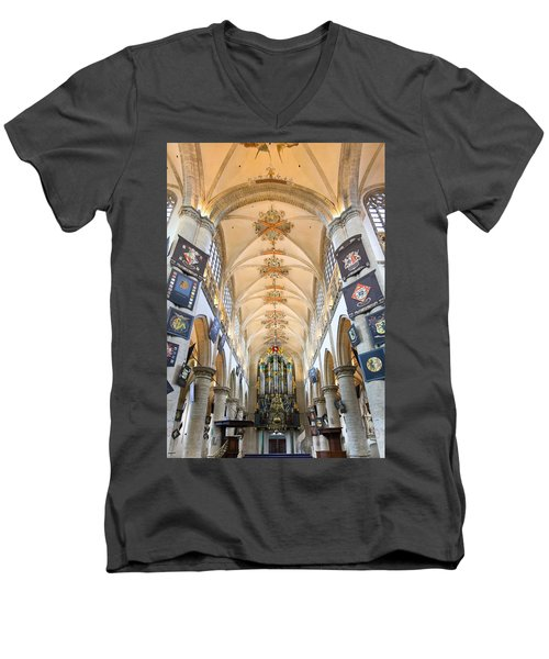 Breda Cathedral Men's V-Neck T-Shirt