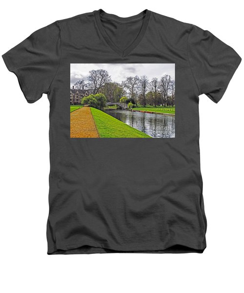 Bridge Over River Cam Men's V-Neck T-Shirt