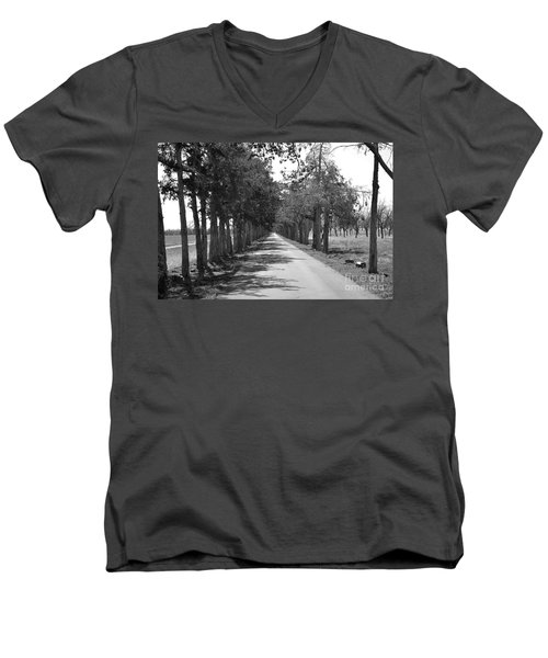 Broken Road Men's V-Neck T-Shirt