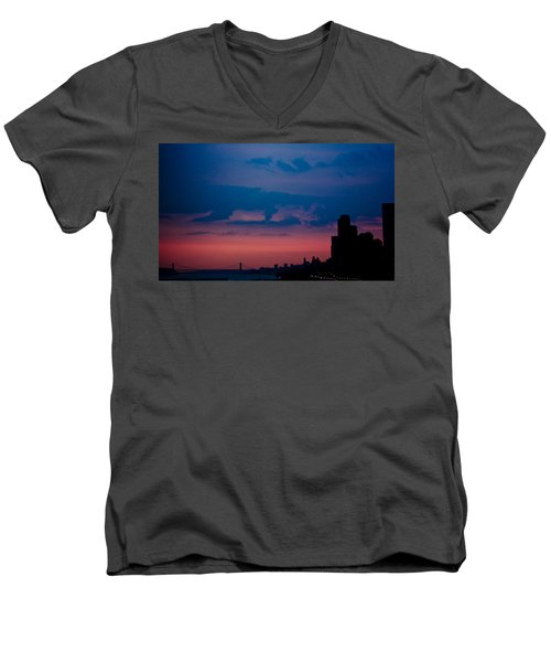 Men's V-Neck T-Shirt featuring the photograph Brooklyn Bridge Sunrise by Sara Frank