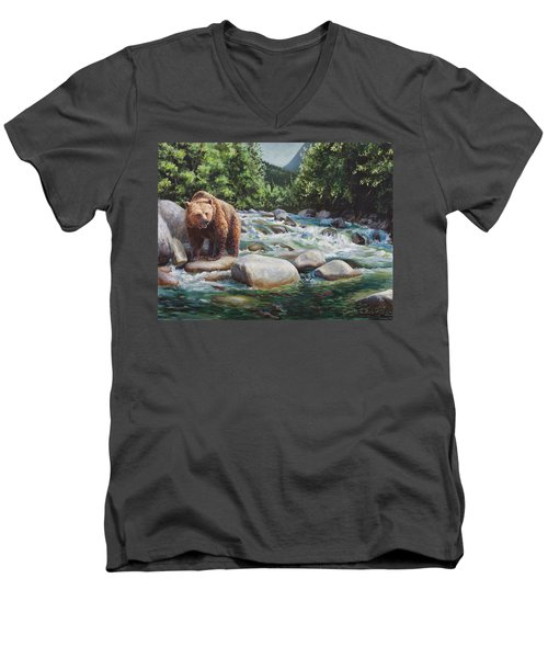 Brown Bear And Salmon On The River - Alaskan Wildlife Landscape Men's V-Neck T-Shirt