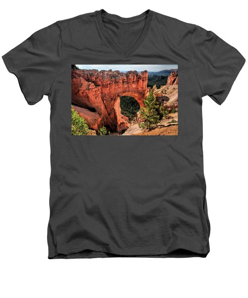 Bryce Canyon Arches Men's V-Neck T-Shirt