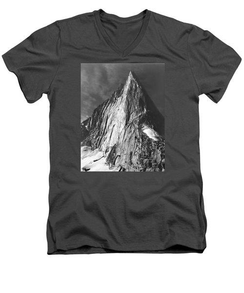 102756-bugaboo Spire Men's V-Neck T-Shirt