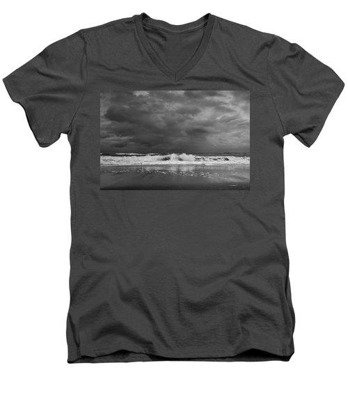 Bw Stormy Seascape Men's V-Neck T-Shirt