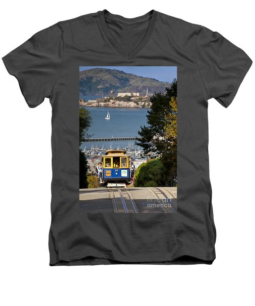 Cable Car In San Francisco Men's V-Neck T-Shirt
