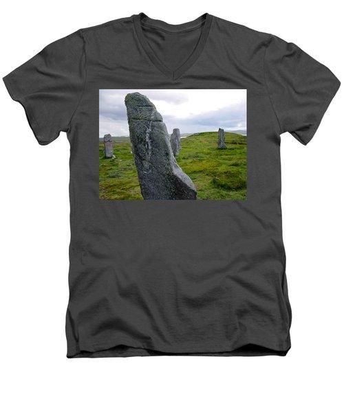 Callanish 3 Men's V-Neck T-Shirt