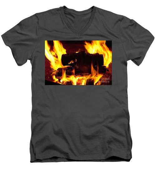 Campfire Burning Men's V-Neck T-Shirt