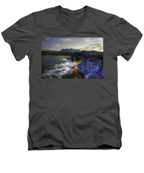 Cape Hedo Hdr Men's V-Neck T-Shirt