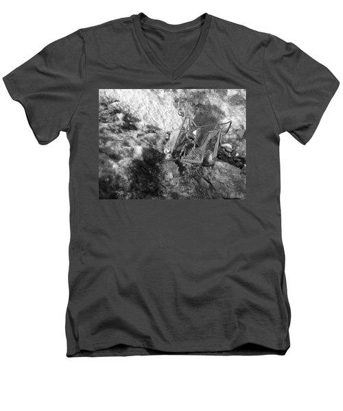 Cart Art No.7 Men's V-Neck T-Shirt