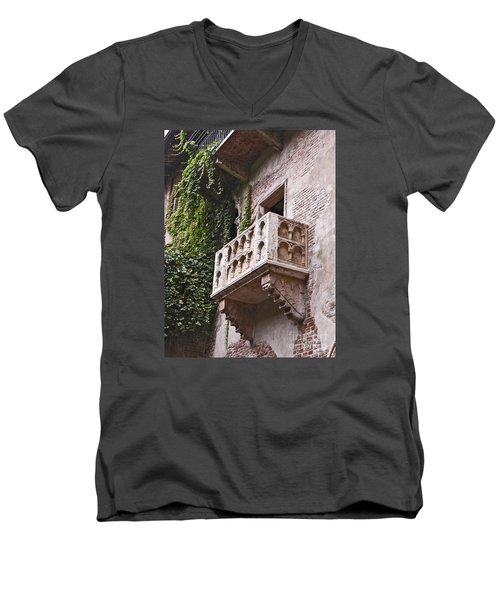 Casa Di Giulietta Men's V-Neck T-Shirt