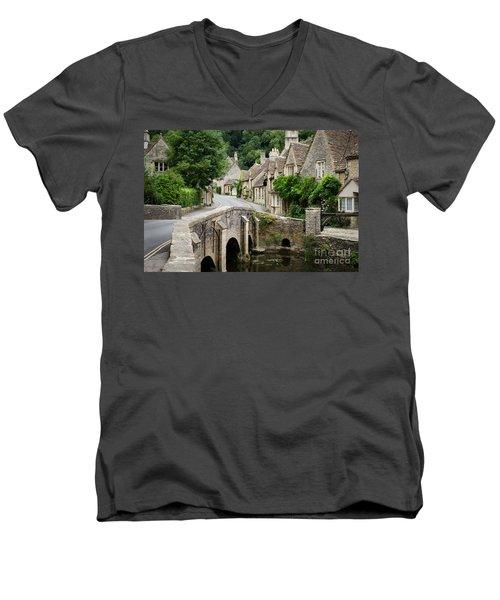 Castle Combe Cotswolds Village Men's V-Neck T-Shirt