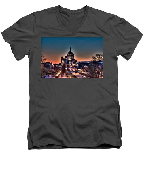Cathedral Of Saint Paul Men's V-Neck T-Shirt