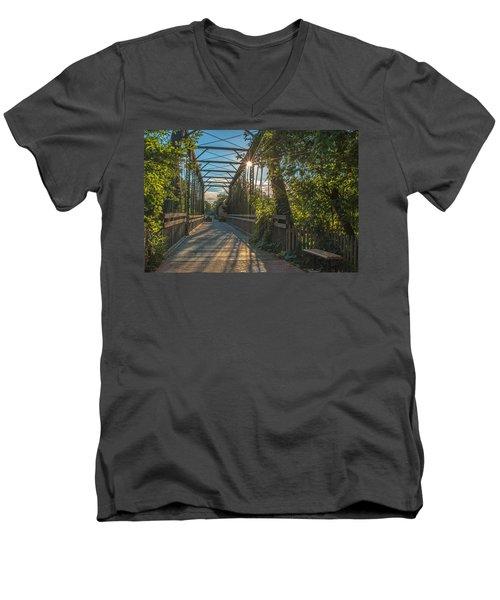 Cedarburg Footbridge Men's V-Neck T-Shirt